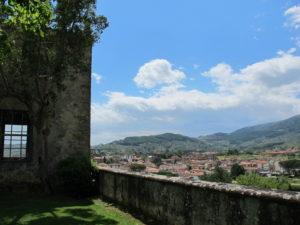 Villa La Magia, una veduta su Quarrata dal giardino
